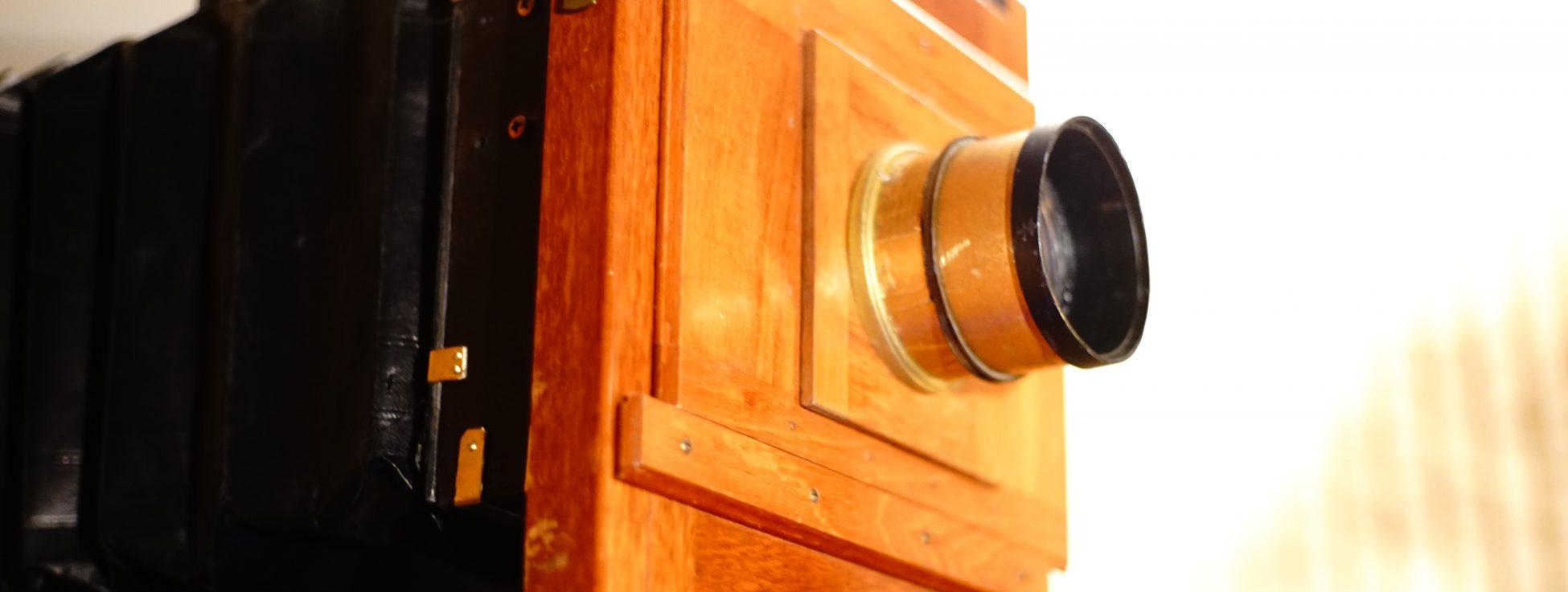 Eine Kamera der Jahrhundertwende live in Aktion